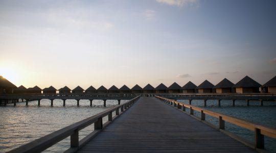ZB9Q6696 maldives huts